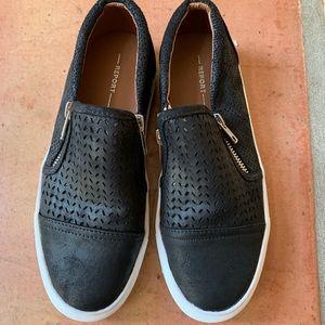 EUC Report Akiara Black Zipper Accent Shoes